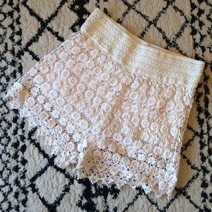 Wallflower l Cream Crochet Shorts Festival